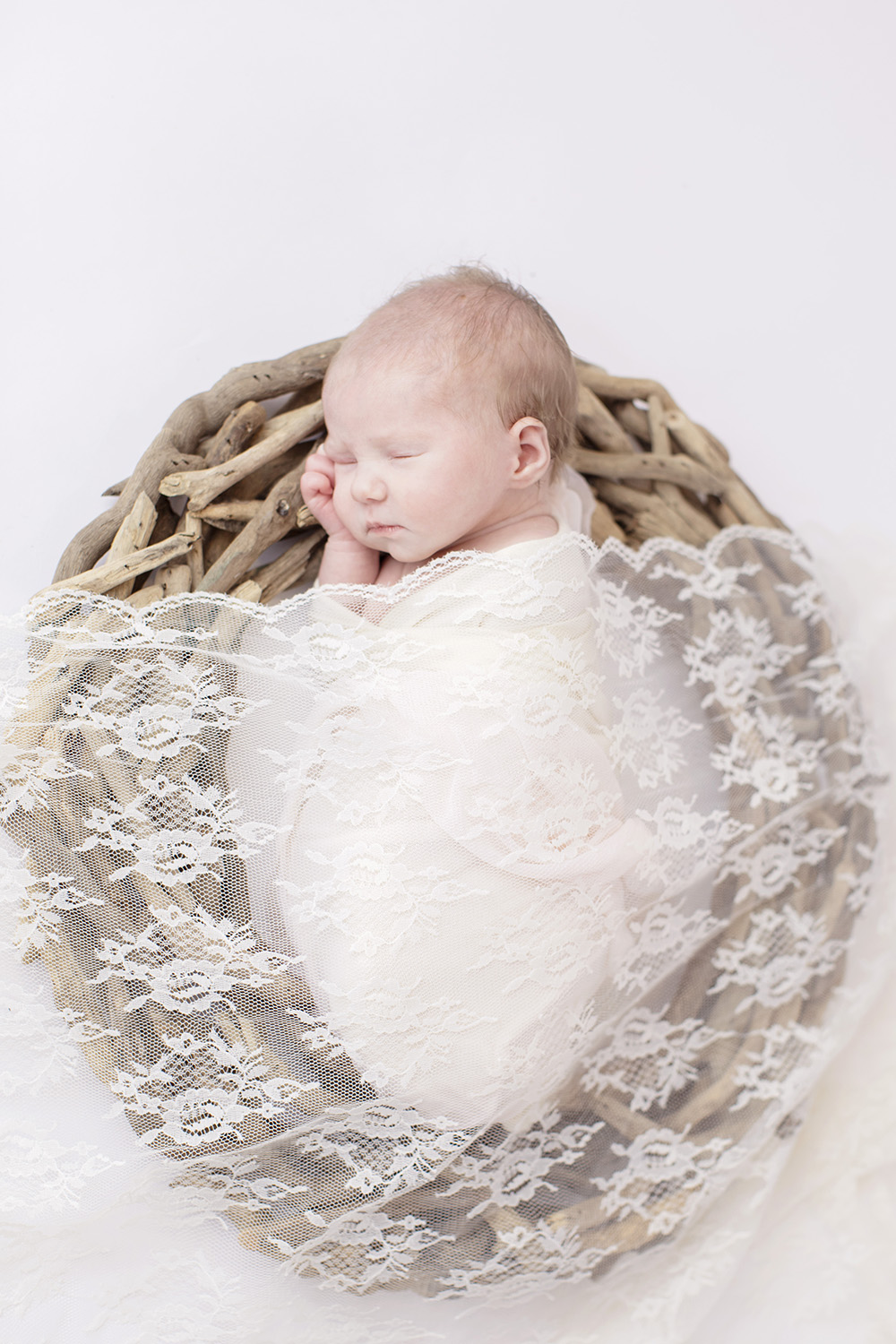 Ocean-Springs-Newborn-Photographer-Swetman-Photography-Lace-Blanket-Driftwood-Baby-Eleanor.jpg