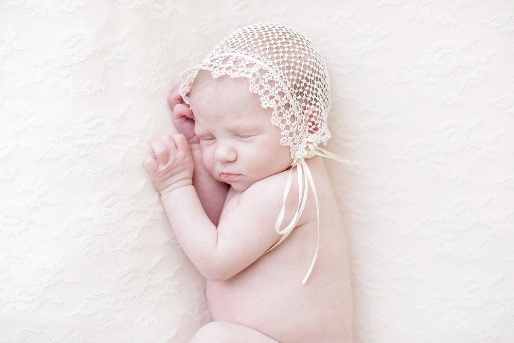 Ocean-Springs-Newborn-Photographer-Swetman-Photography-Tatted-Bonnet-Baby-Eleanor.jpg