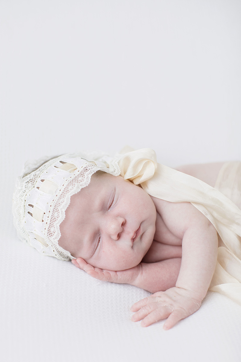 lace-bonnet-newborn-ocean-springs.jpg