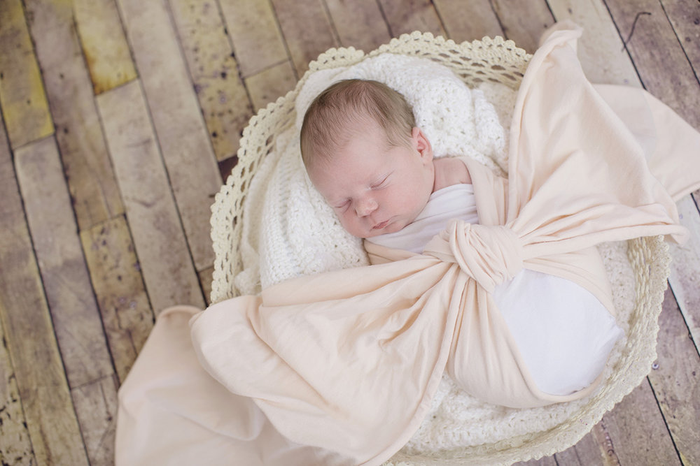ocean-springs-newborn-photographer-wrap-basket.jpg