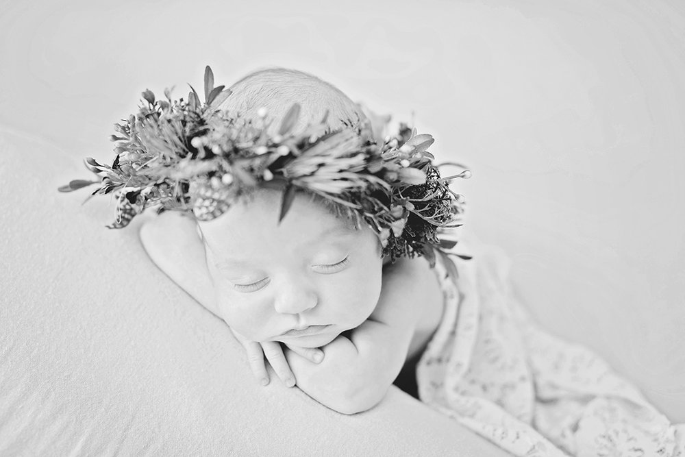 flower-crown-newborn-photographer-mississippi.jpg