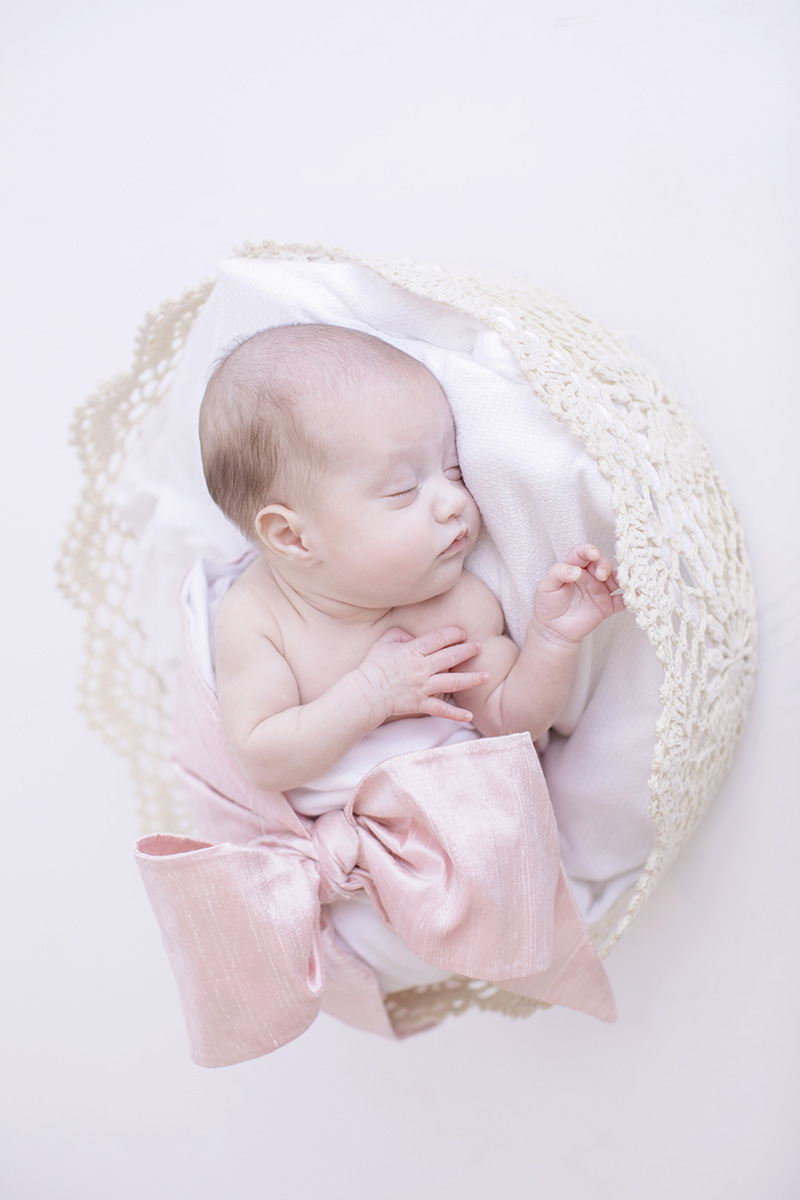 mississippi-newborn-photographer-beaufort-bonnet-swaddle-pink.jpg