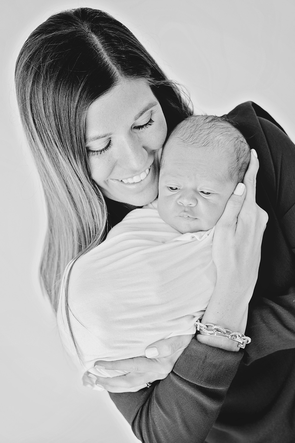 biloxi-newborn-black-white.jpg