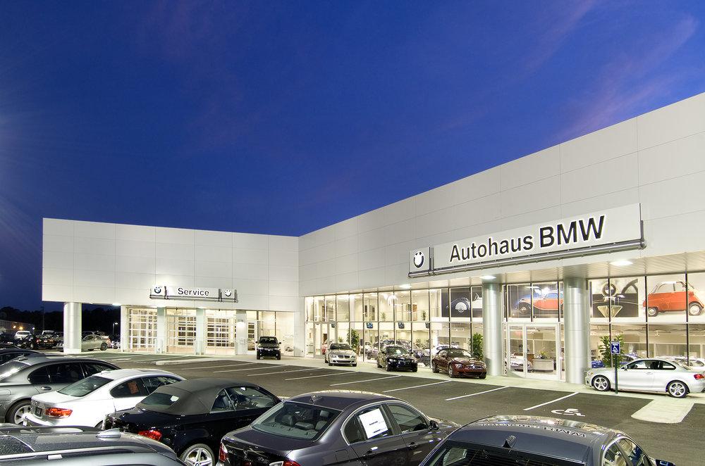 Autohaus BMW - PH-Ext-Entrance.jpg