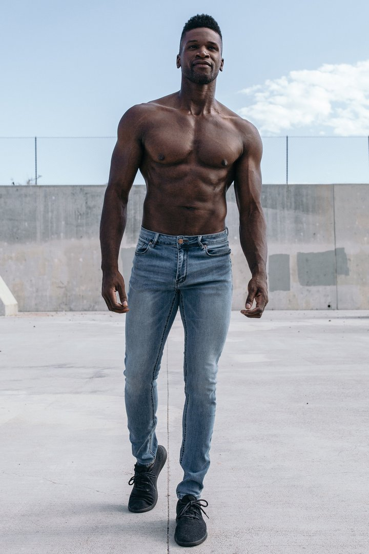 Slim Athletic Fit - Light Distressed