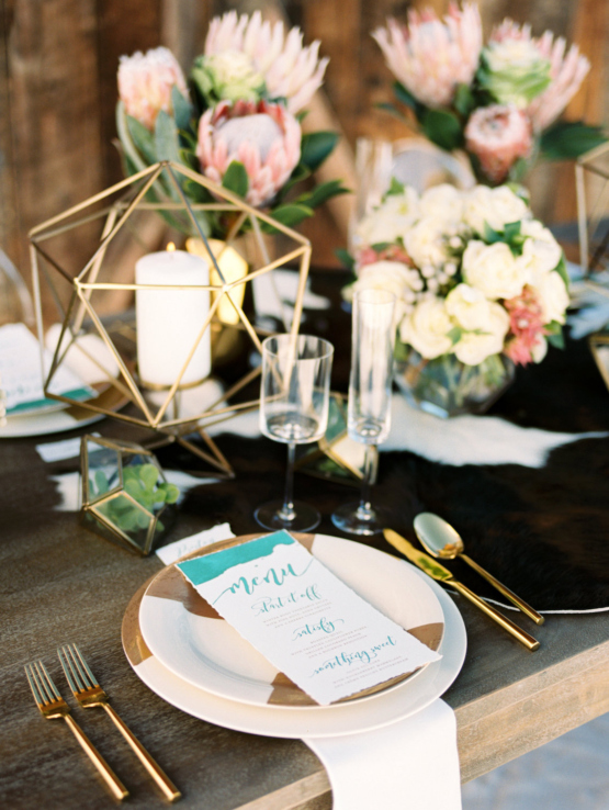 Contemporary-Winter-Wedding-Inspiration-by-Rachel-Havel-and-Bluebird-Productions-9-555x738.jpg