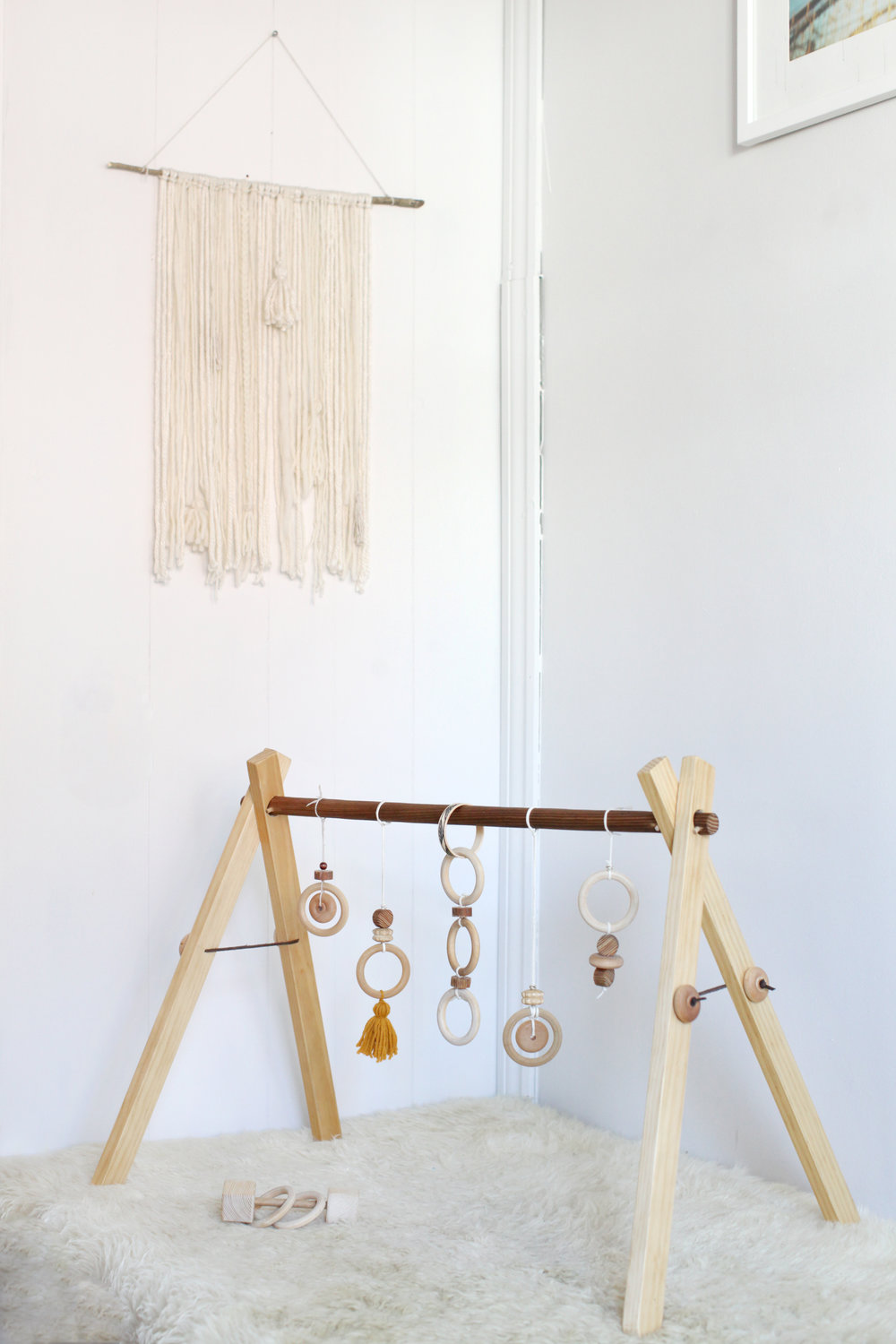 WOODEN BABY GYM //