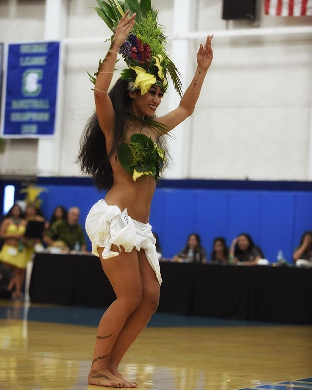 Te Ori Here 2019 Senior Overall Vahine | A huge mahalo to @lepolynesia and the Montgomery Family for your wonderful event! Thank you to @sefadrums and all of your crew for drumming all day long for us! It is your pehe that drives and pushes us to dance with so much power! @lokelanisroti congratulations, I love you with my full heart. You know what's up💜 It was a great day and I'm so happy to reconnect with everyone after so long🌺 till next time, cheehoooo #lokelanisroti #oritahiti #kananioritahiti #kananilokelani #teorihere2018