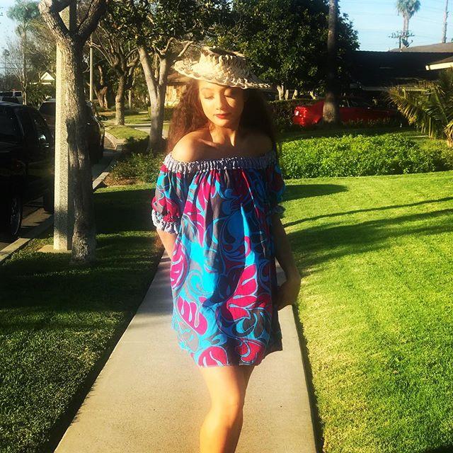 It's showtime! Beautiful Kayley arriving to a show with a Lokelani Looks dress. #arrivals #lokelanisroti #lokelanilooks #polynesianinspired DM me for inquiries