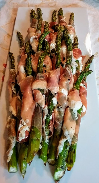 Asparagus with Fromage Frais wrapped in proscuitto