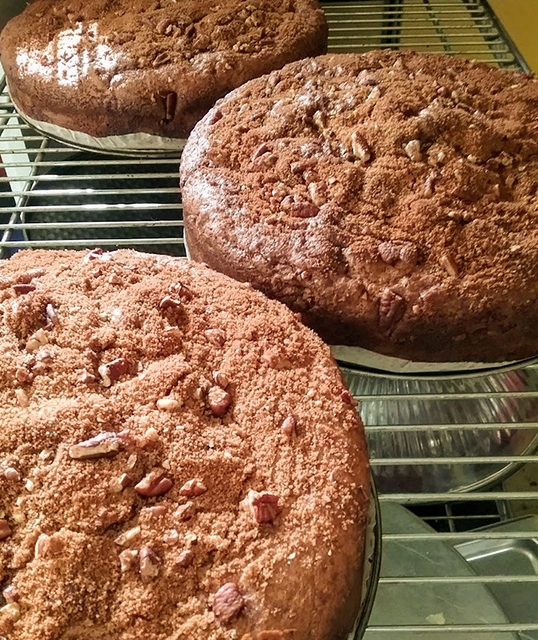 Pecan cinnamon coffee cakes