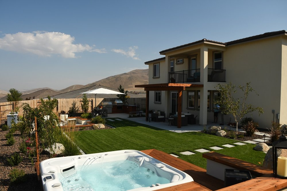 Bacykard landscaping with pool and spa in Reno, NV