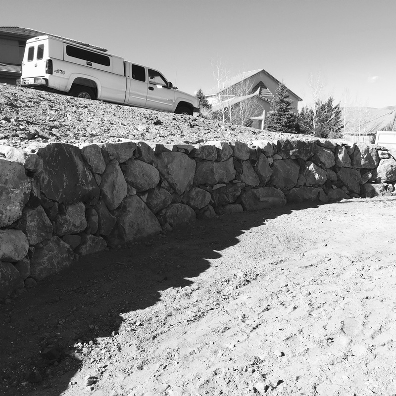 Reno, NV stunning retaining wall by landscape contractors