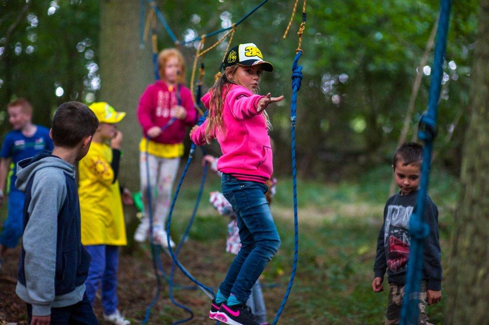 kid-activities-at-campiste-near-silverstone-circuit-1600w.jpg