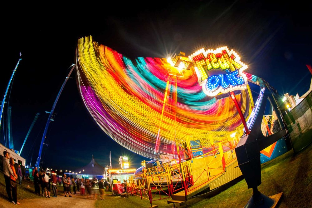 fun-fair-at-woodlands-official-campsite-for-silverstone-1600w.jpg