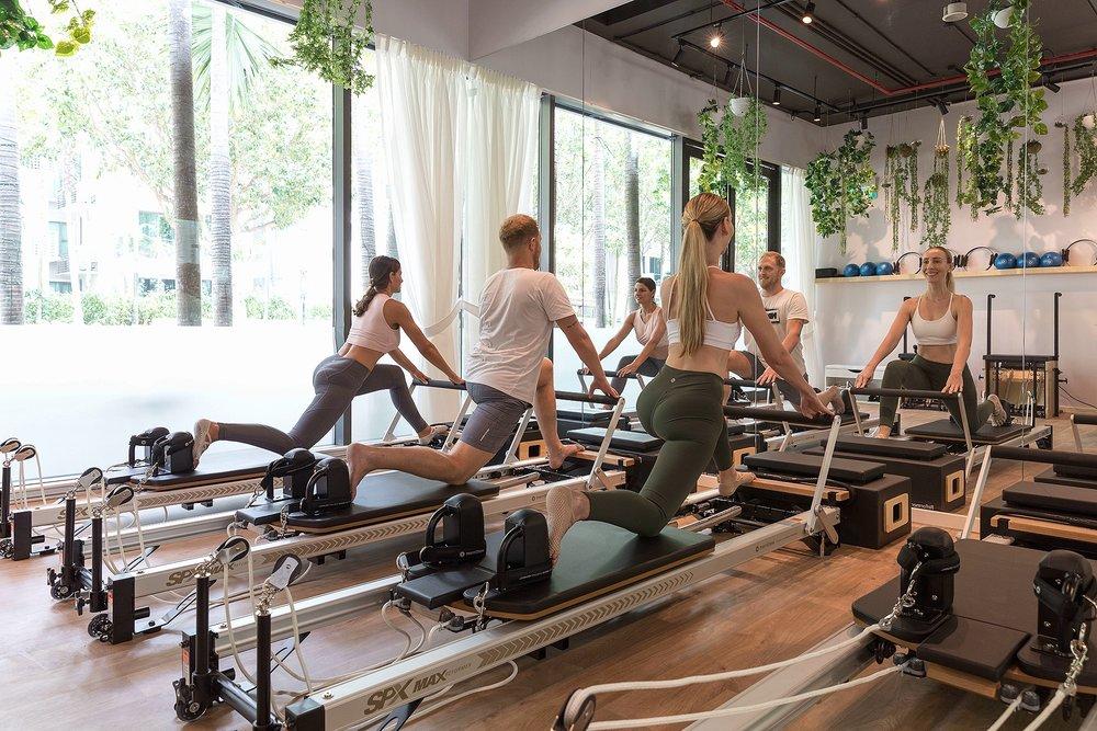 viva-pilates-group-reformer.jpg