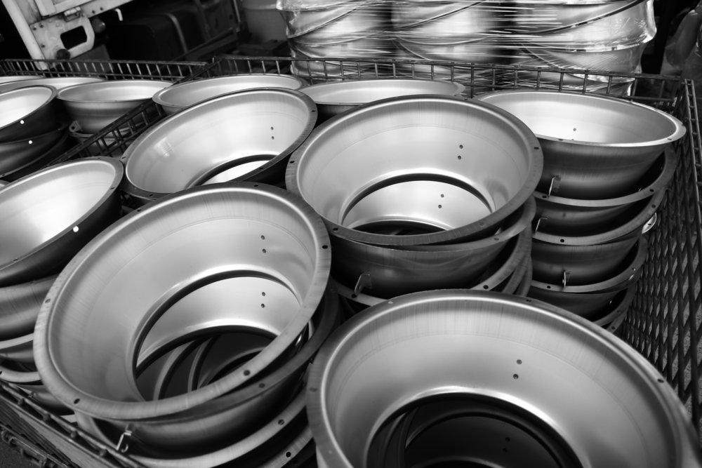 Deep drawn aluminum lighting cans