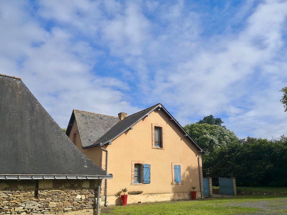 Exterieur-Maison-Bleue.jpg