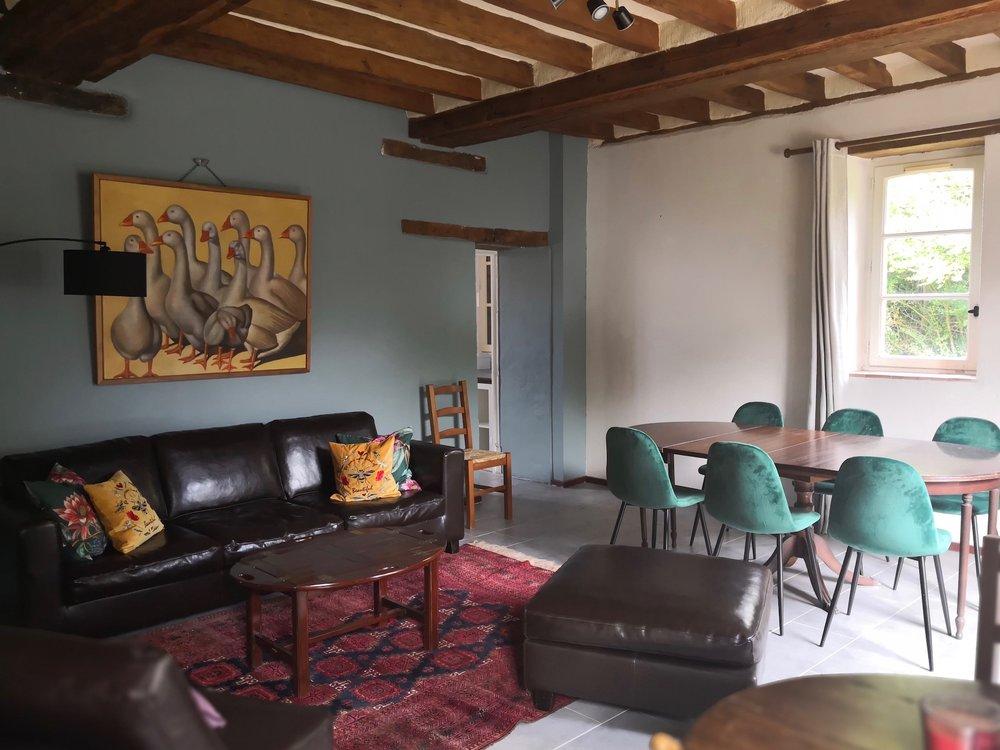 Maison-Bleue-Anjou-Golf-salle-à-manger-living-location.jpg
