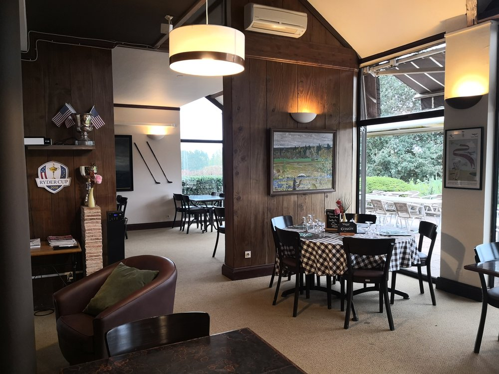 Restuarant - Anjou Golf & Country Club