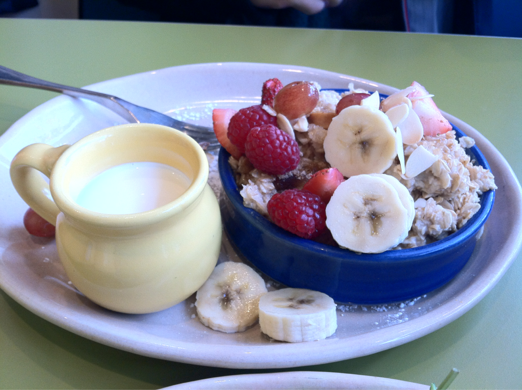 This is what Michael had at snooze this morning. Vanilla Almond Oatmeal Brûlée. Amazing!