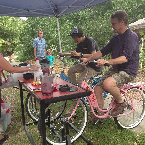 Human powered smoothie. Mapleton Porchfest. You want a smoothie. You are going to have to powers your own blender. #smoothie