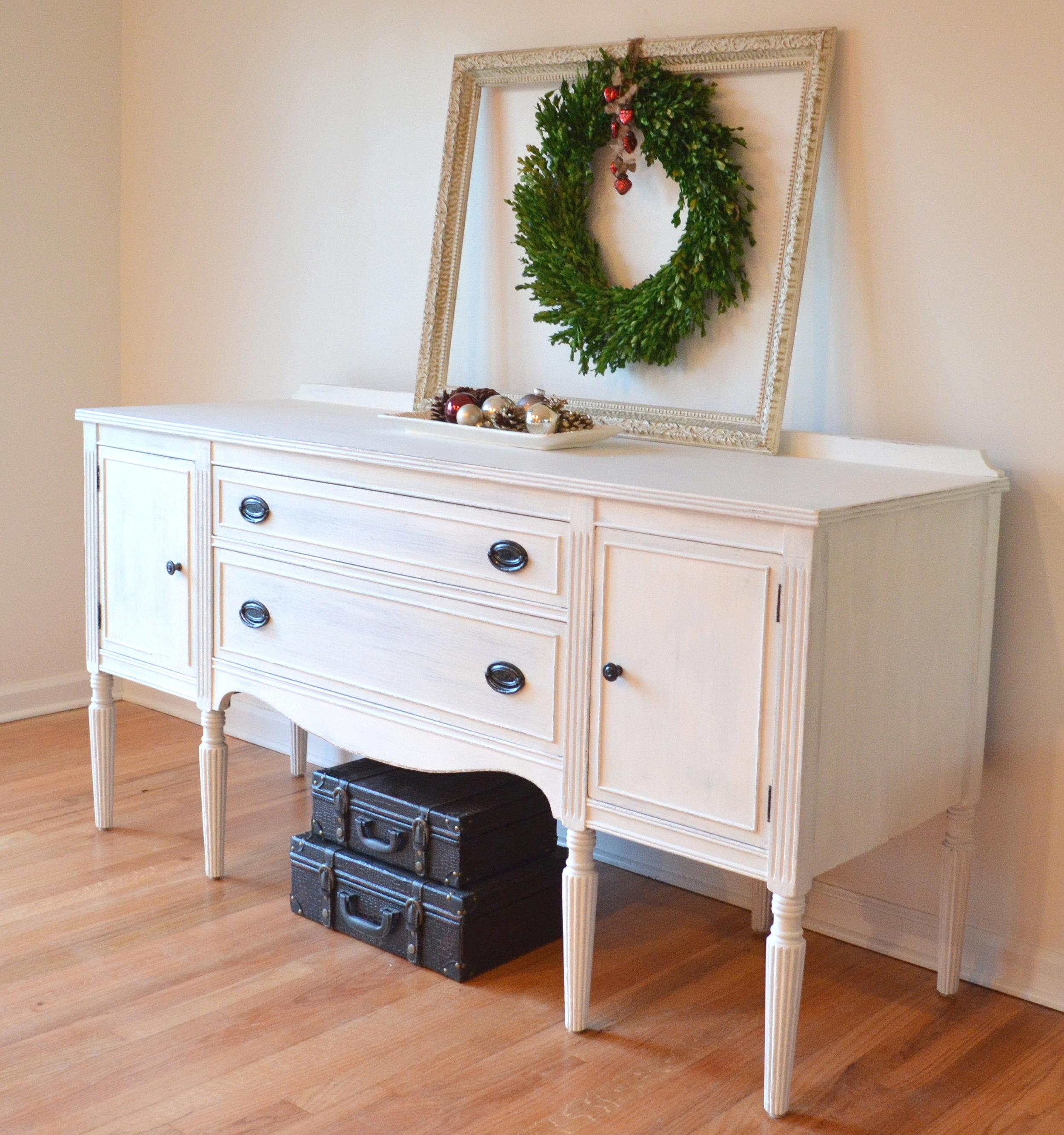 White Shabby Chic Buffet 2