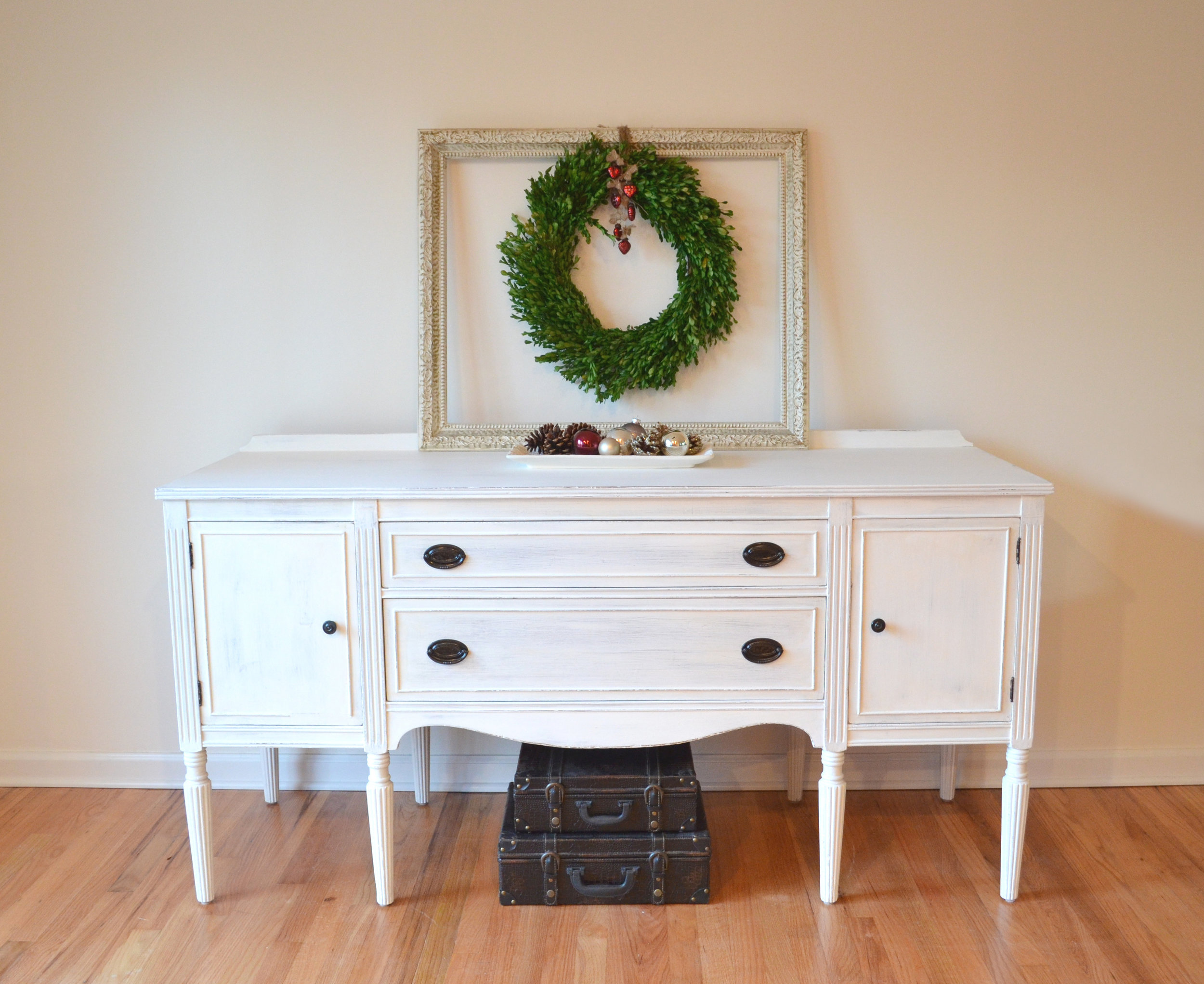 White Shabby Chic Buffet 1