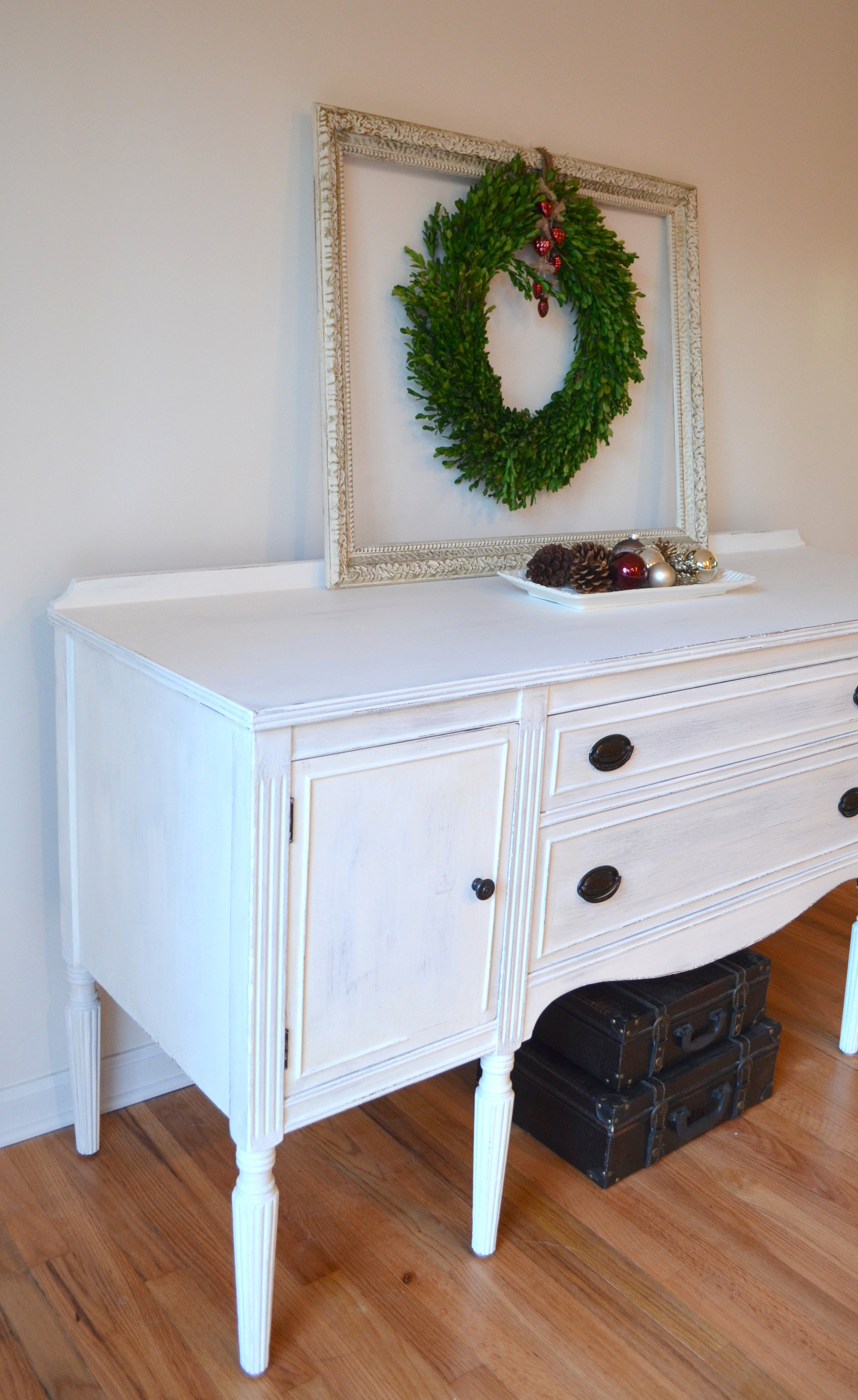 White Shabby Chic Buffet 3