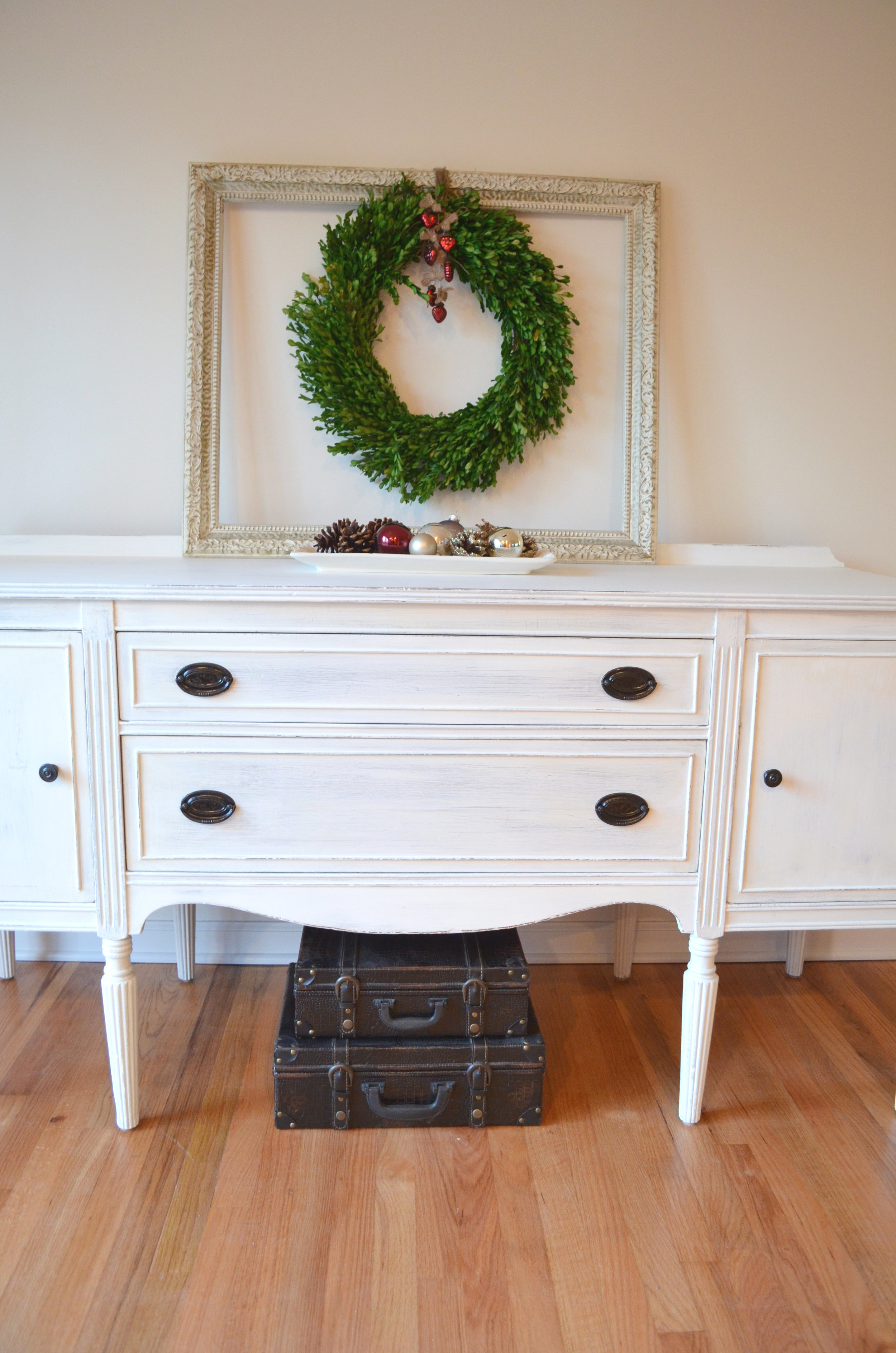 White Shabby Chic Buffet 4