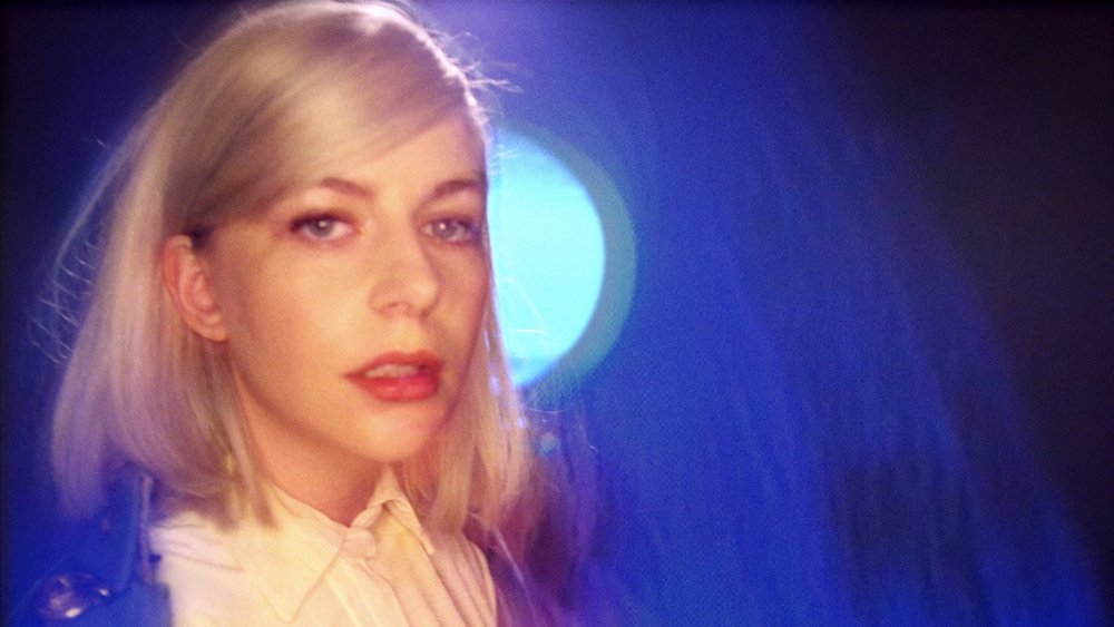 ALVVAYS - IN UNDERTOW - Director, EditorOfficial music video for the debut single from Alvvays' second album on Polyvinyl Records.2017 | 4 min