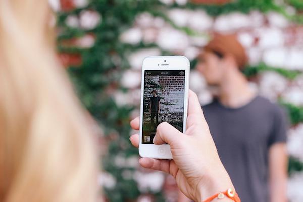 iPhone Woes / Instagram Loves - image via Unsplash | kaileenelise.com