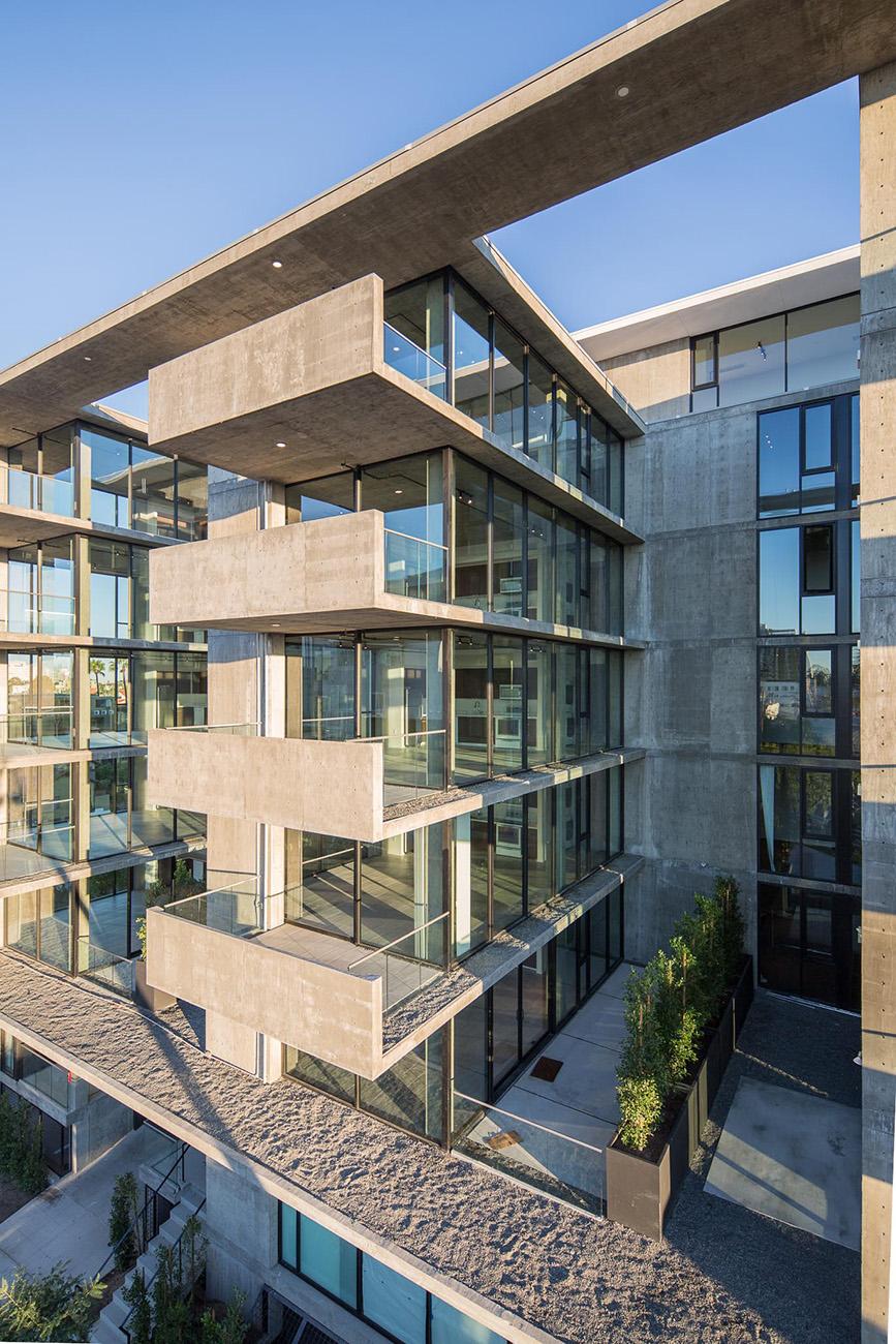 luxury-rentals-hillcrest.jpg