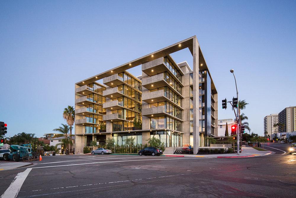 mr-robinson-apartments-hillcrest.jpg