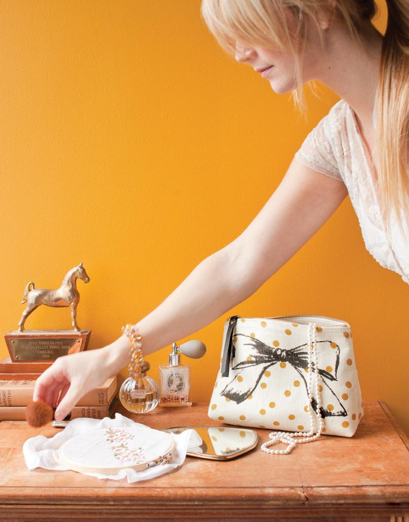 DSF13-Style-Cosmetic-Bag-Prim&Proper