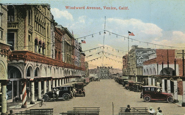 This 1918 vintage postcard shows the wall of hotels on Windward Avenue.