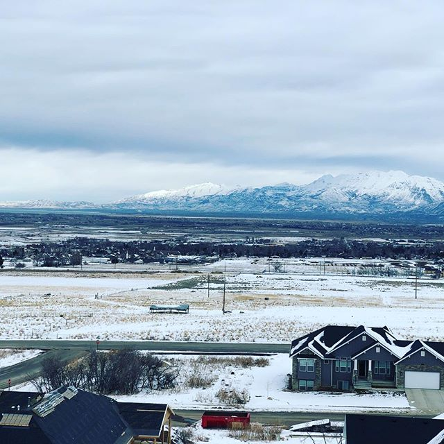 When it comes to homebuilders. Roofers have the best view.  #thedifferenceisinthedetails  #roofingcontractor #roofingculture #roofinglife #provo