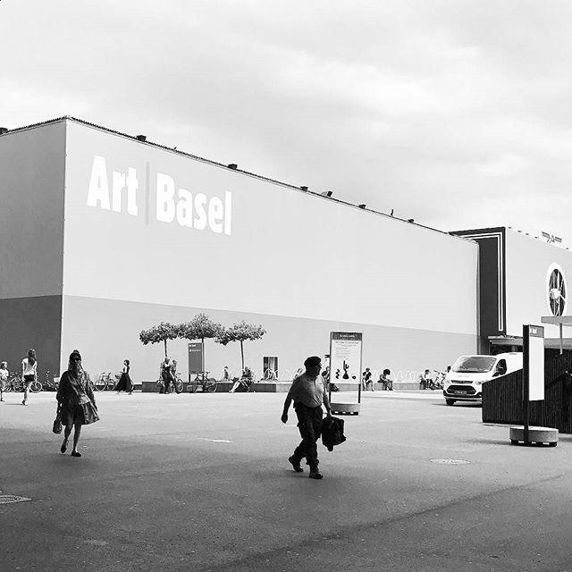 It's that time again ... #calmbeforethestorm @artbasel @designmiami_basel @designmiami #artbasel #artfair #basel #switzerland #notinmiami #arthandler #artlogistics #arttransport #MoveArtDesign #movingartanddesignforward