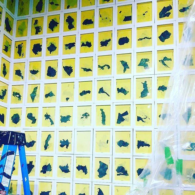 This #arthandler #graduated #arthanging101 #arthandling #artprotection #framesforwallpaper #framesfordays #moveartdesign #movingartanddesignforward