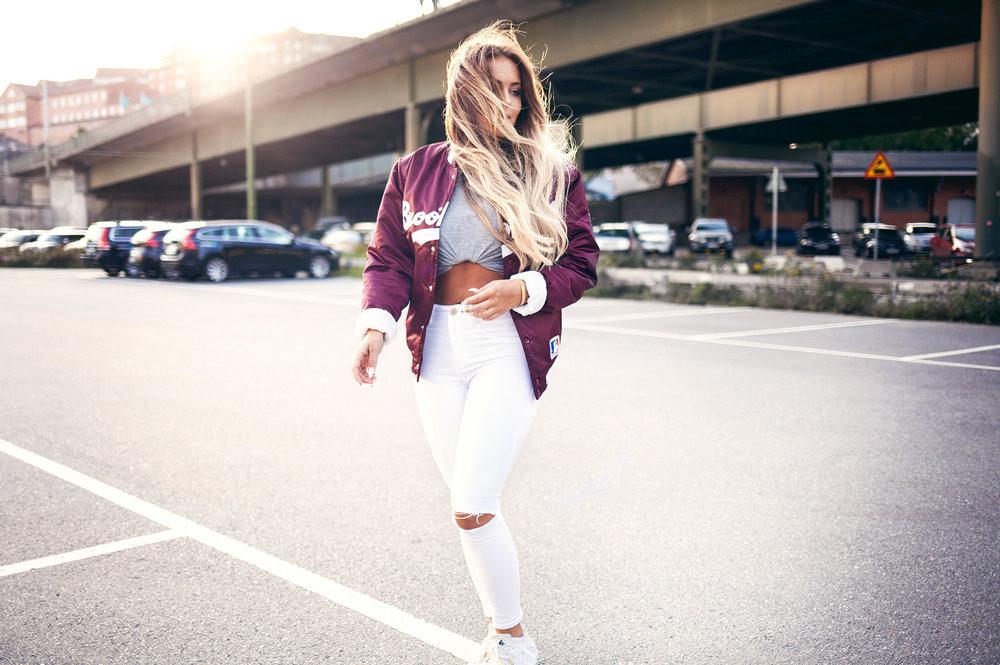 FannyLyckman-White-jeans-baseballjacket1.jpg