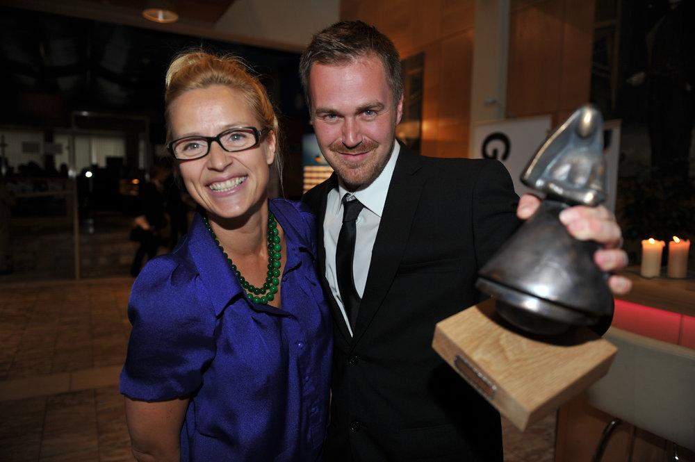 Jon Haukeland og Charlotte Røhder Tvedt mottar Amandaprisen for Beste Dokumentar i 2011