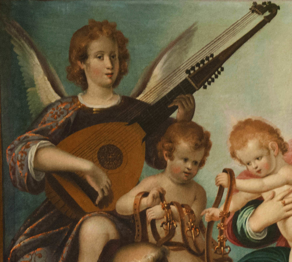 Angel playing theorbo