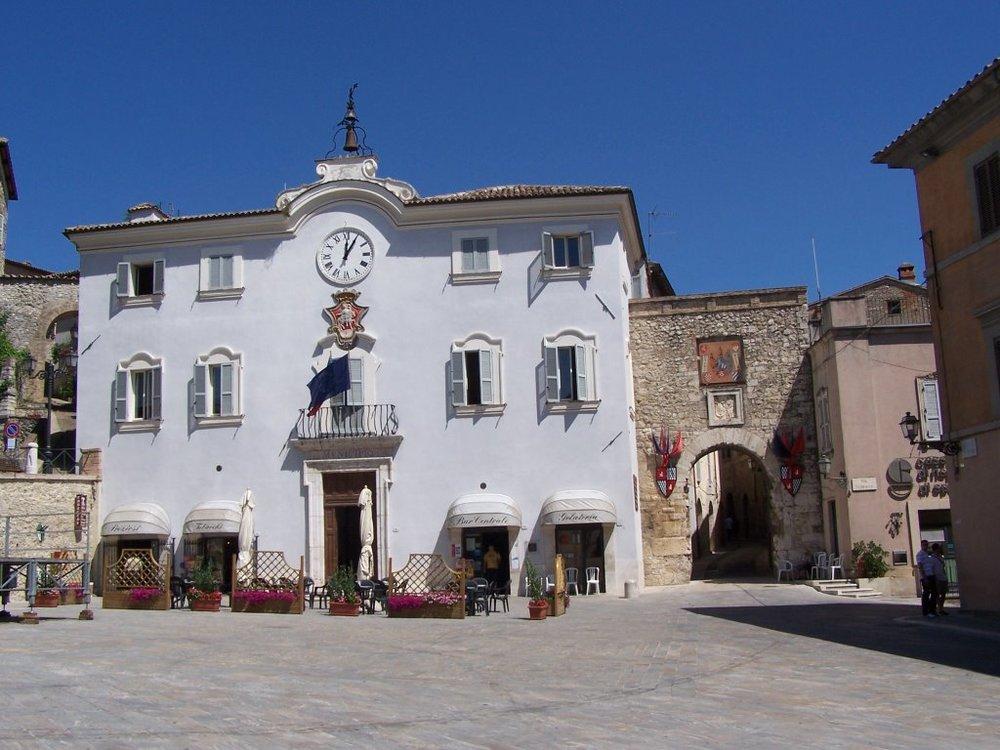 IIRPS San Geminisg-Piazza S. Francesco.jpg