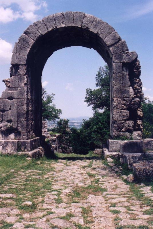 Carsulae-San Damiano.jpg