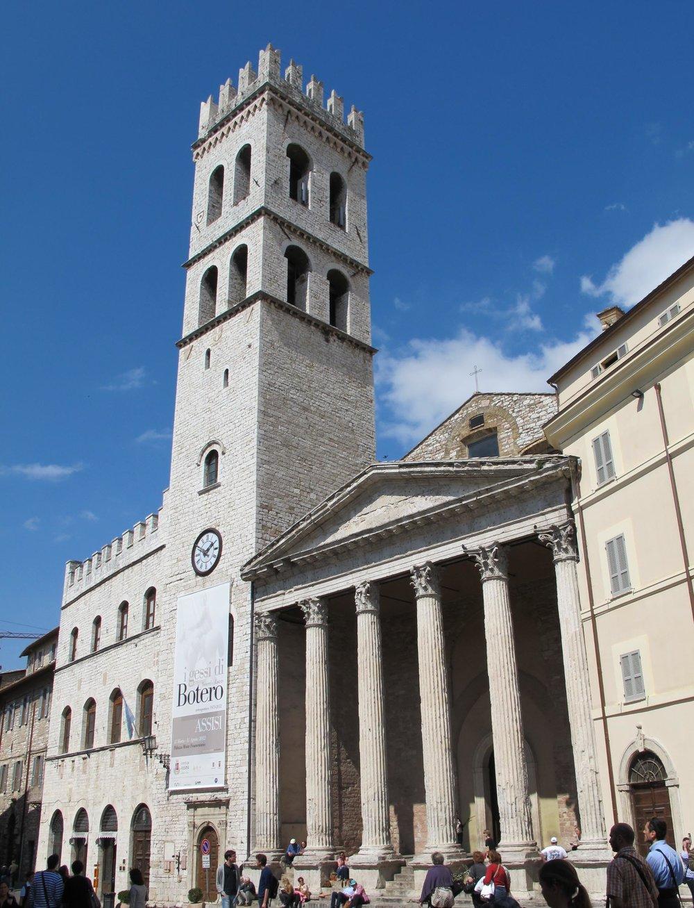 Assisi, Pz. del Comune