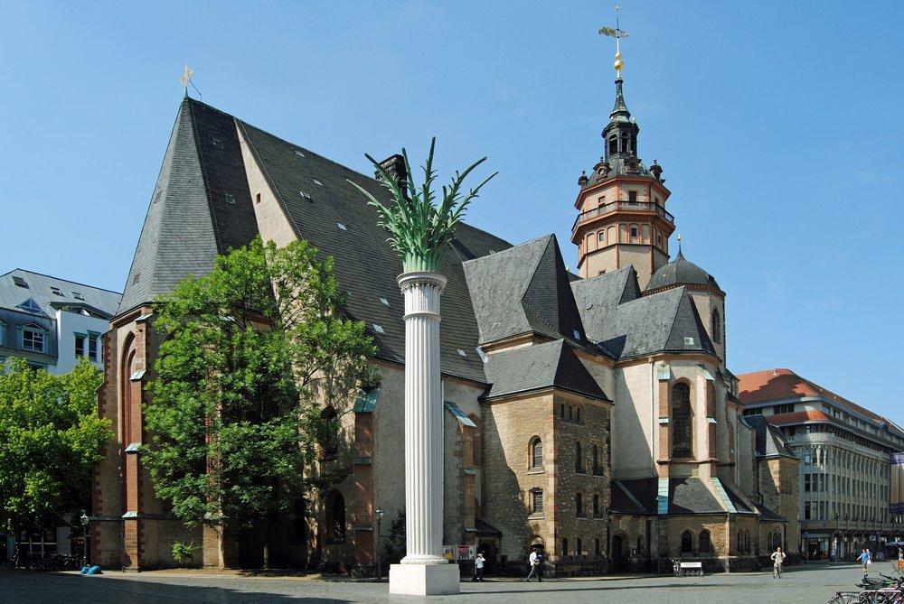 Nikolaikirche-und-Nikolaisaeule_Andreas-Schmidt_leipzig.jpg
