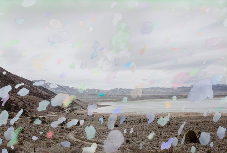 """Dust , 2018, Édition de 3, impression pigmentaire et peinture aérosol, 44 x 64""""."""