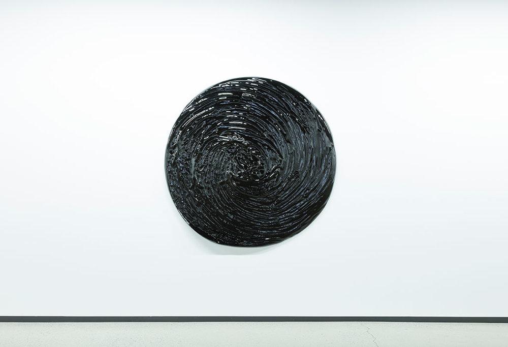 """Matière noire II , 2017, Mousse haute densité, epoxy, 59 3/4"""" (Détail)."""