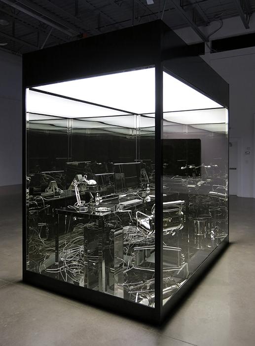 Vanités (Bureau d'artiste),  2012, Acier, aluminium, nickel, verre trempé, fluorescents, vinyle, 305 x 305 x 183 cm.