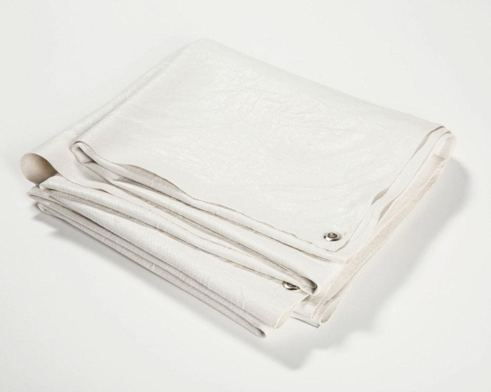 "Tarpaulin , 2016 Acrylique, œillets 6 x 18 x 2 1/2""."
